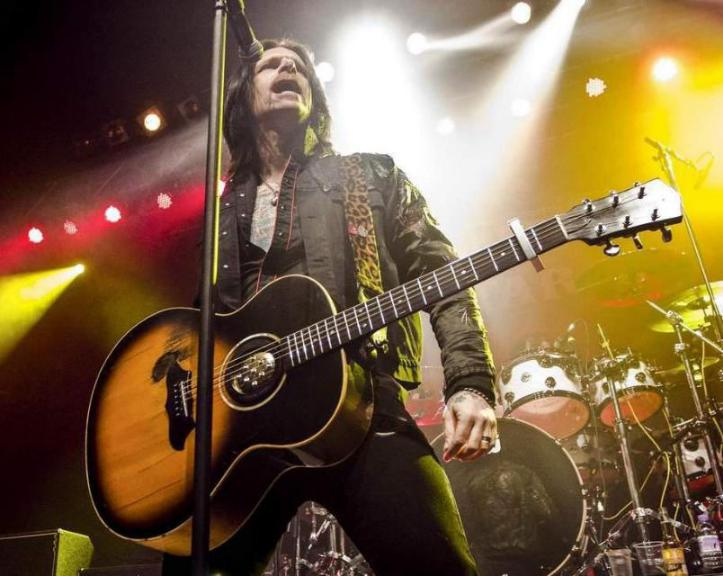 Ricky Warwick talks about coming home